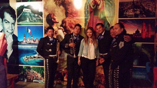 Mariachis en Quito Sur con El Charro Negro del Ecuador